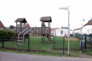 Musste abgebaut werden - die alte, marode Spielanlage auf dem Spielplatz in der Römerstraße.