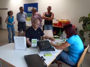 Interessierte Bürger nutzten die Beratungstermine um Vorverträge zu unterzeichnen.
